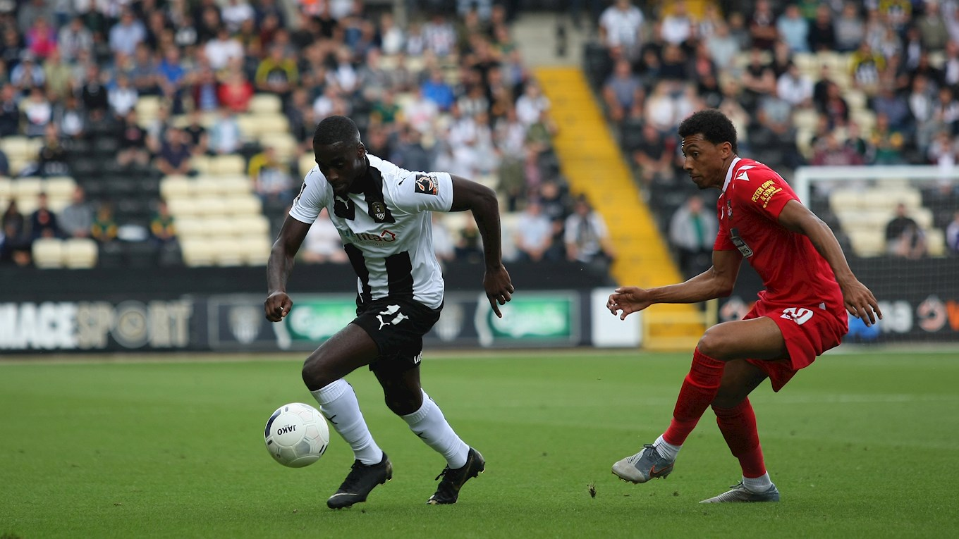 Enzio Boldewijn looks to use his pace to get past Wrexham's Devonte Redmond..jpg