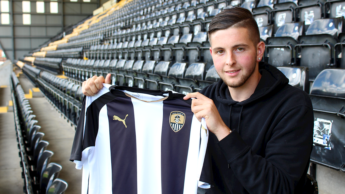 Pierce Bird signs for Notts County