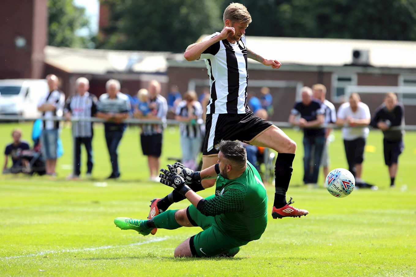 Jon Stead in action